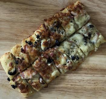 Fougasse Lardons / Olives Noires